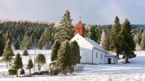 Hegyi kápolna Uhorna felett